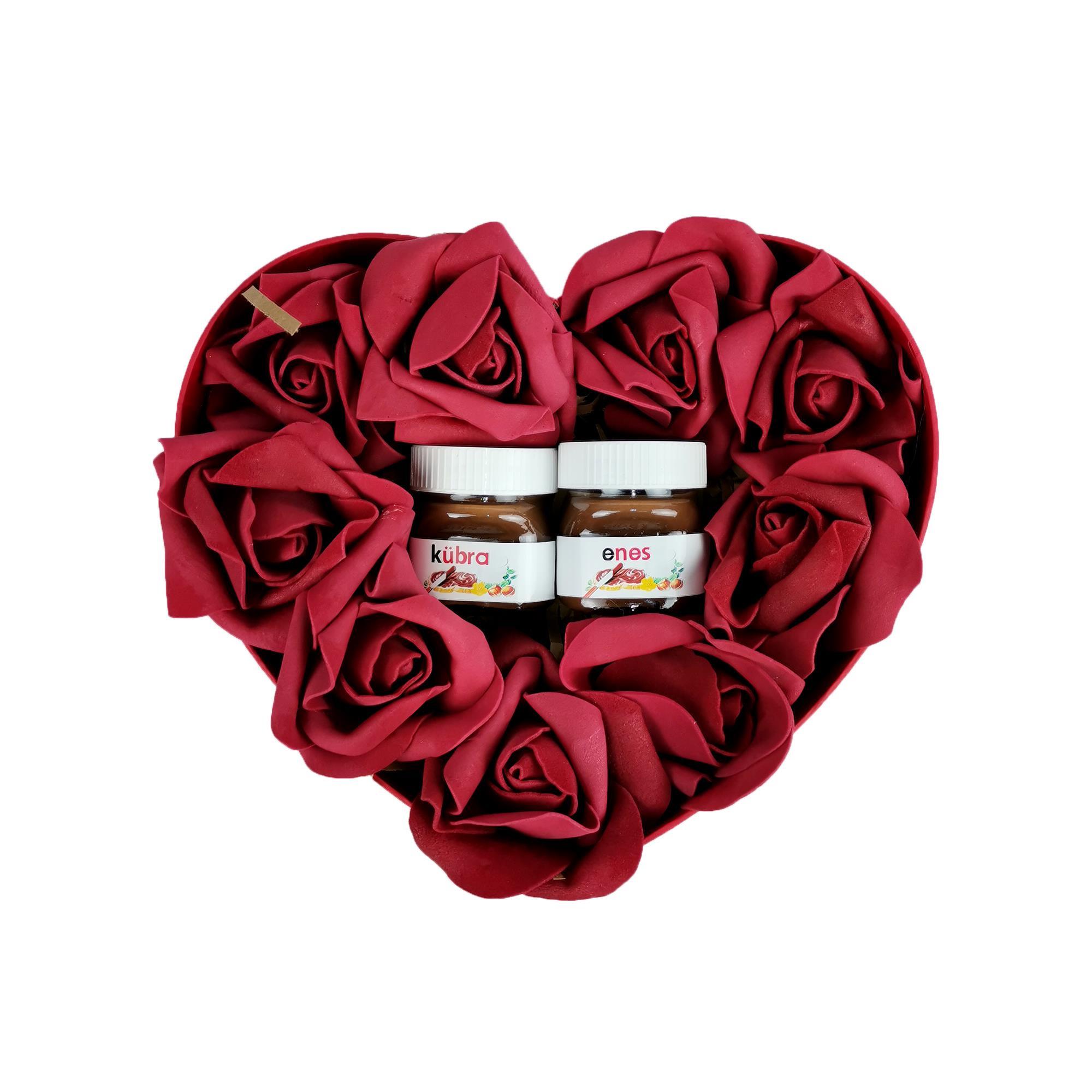 Sevgiliye Özel Kalpli Nutella Yılbaşı Hediye Kutusu