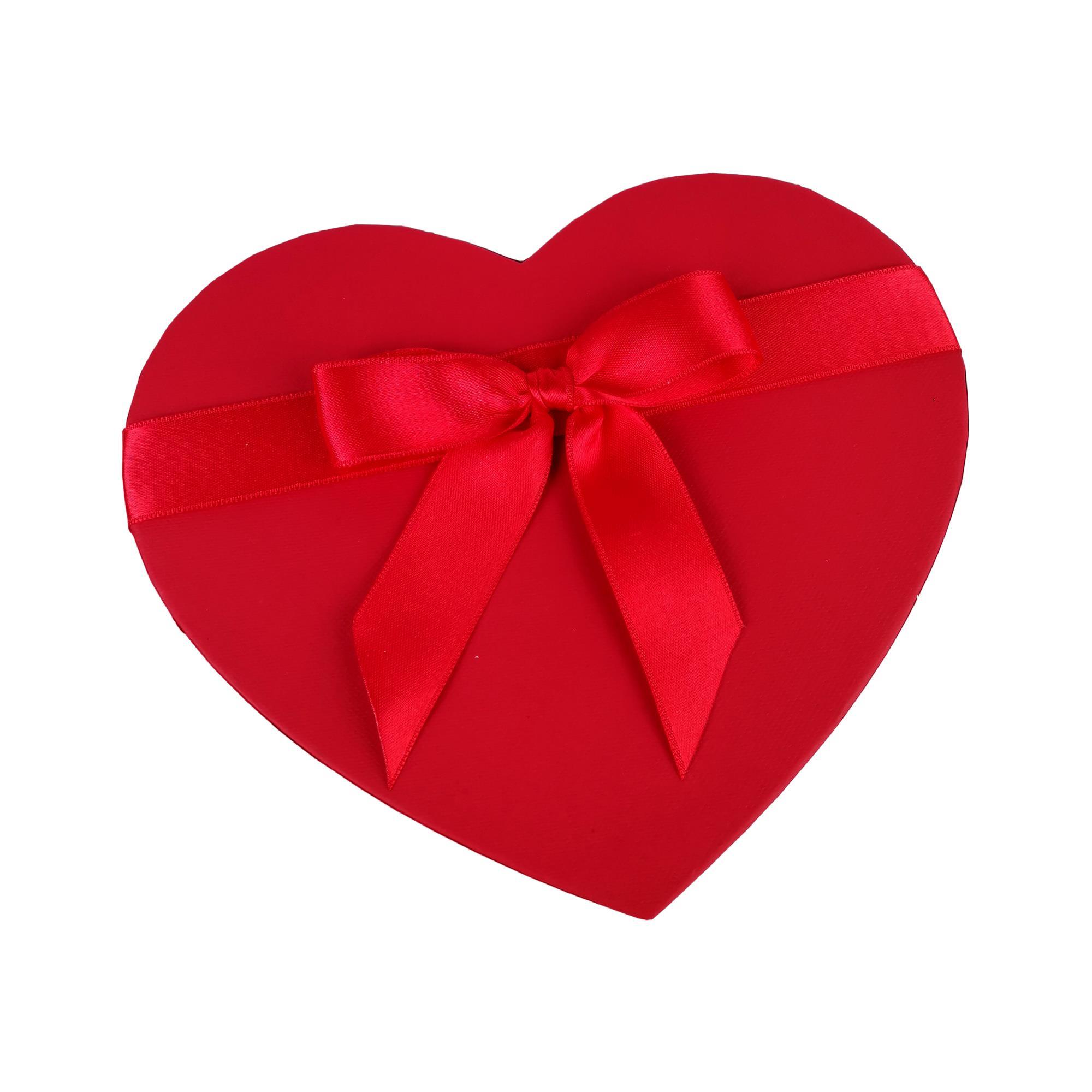 Sevgiliye Özel Kalp Kutulu Ferrero Rocher ve Gül Hediye Kutusu