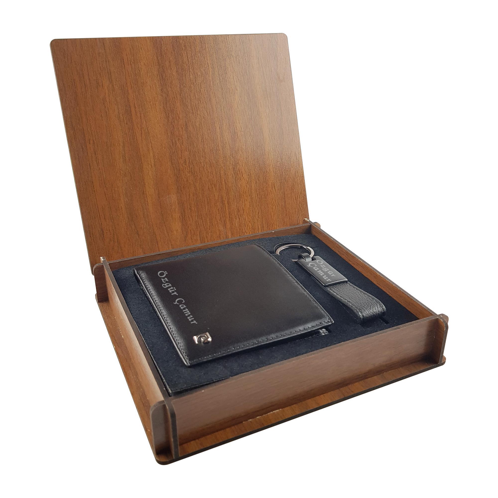 Özel Ahşap Kutuda İsme Özel Pierre Cardin Cüzdan Hediye Seti